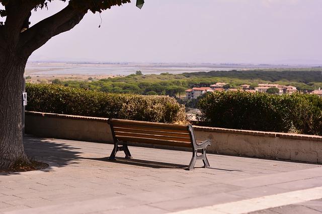 bench-2448111_640